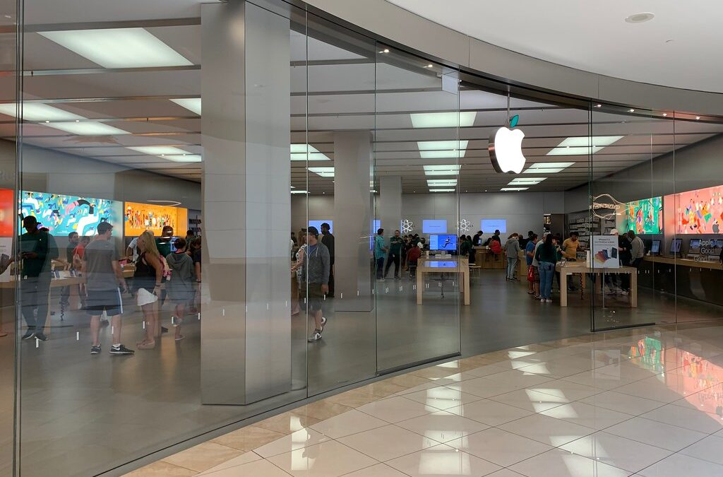 What to think before choosing an iPhone service center?